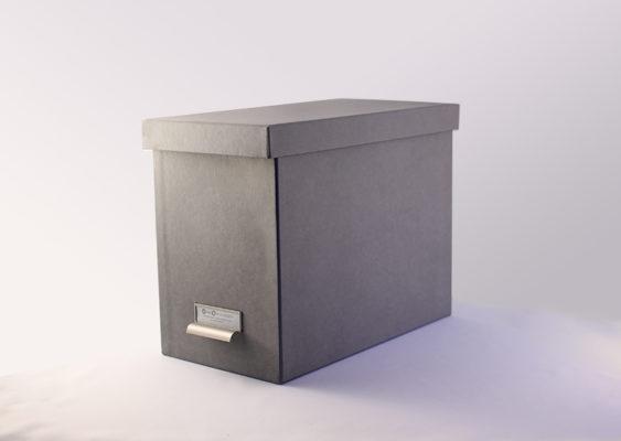 Hængemappe incl. 8 mapper I gråt genbrugspapir med lærredsstruktur