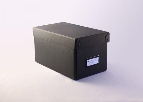 Opbevaringsboks i sort genbrugspap - small