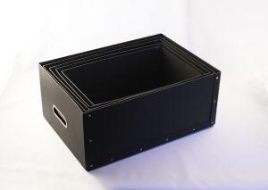 Opbevaringsboks i sort genrbrugspap