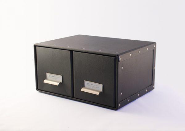 Skuffemøbel til cd i genbrugspap