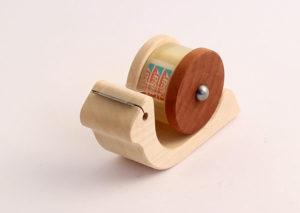 Tape dispenser Snegl I bæredygtig olieret ahorn og pæretræ