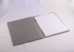 Clipboard folder A4 i gråt genbrugspapir