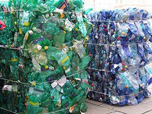 Genbrugsplast er – dets fossile oprindelse til trods – et bæredygtigt materiale.
