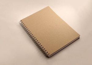 Notesbog A4 med omslag i naturfarvet bæredygtigt genbrugspapir
