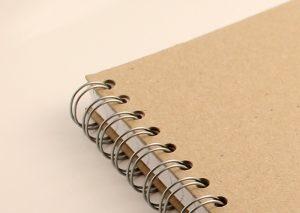 Notesbog A5 med bæredygtigt omslag i naturfarvet genbrugspap