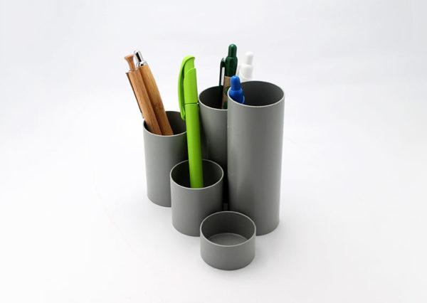 Bæredygtig penneholder i genbrugsplast