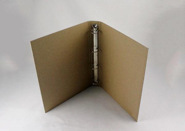 Bæredygtigt ringbind i naturfarvet papir