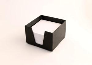 Bæredygtig memoblokholder i genbrugspapir