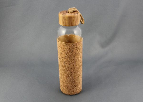 Bæredygtig glasflaske med korkgreb og bambuslåg
