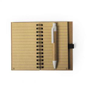 Notesbog A7 med kuglepen i miljøvenlige materialer: genbrugspap, kork og hvedefiber PP