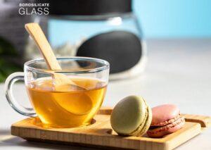 Glaskop med bambusske-bambus og serveringsbakke