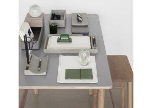 Skrivebordsprodukter i bæredygtig beton med pennebakke