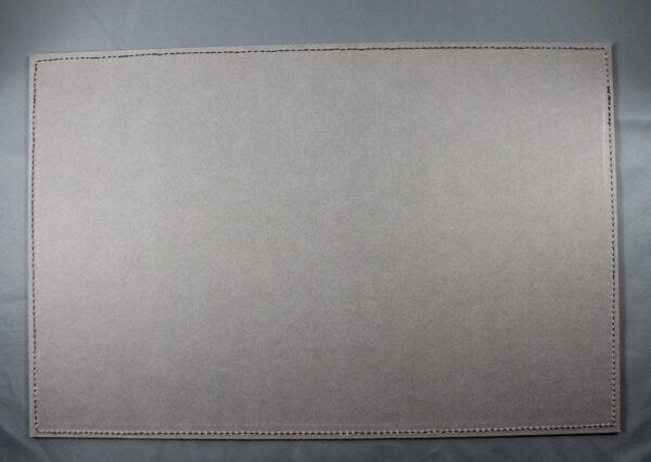 Skriveunderlag i fsc certificeret genbrugspapir med læderhjørner - grå