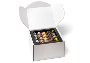 fyldte chokolader - uindpakket box 1kg Økologisk chokolade-elmelundorganisk fyldte mørk-lys-hvid