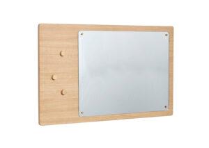 Vægspejl-med-tavle--firkantet-FSC-egetrae-skraa